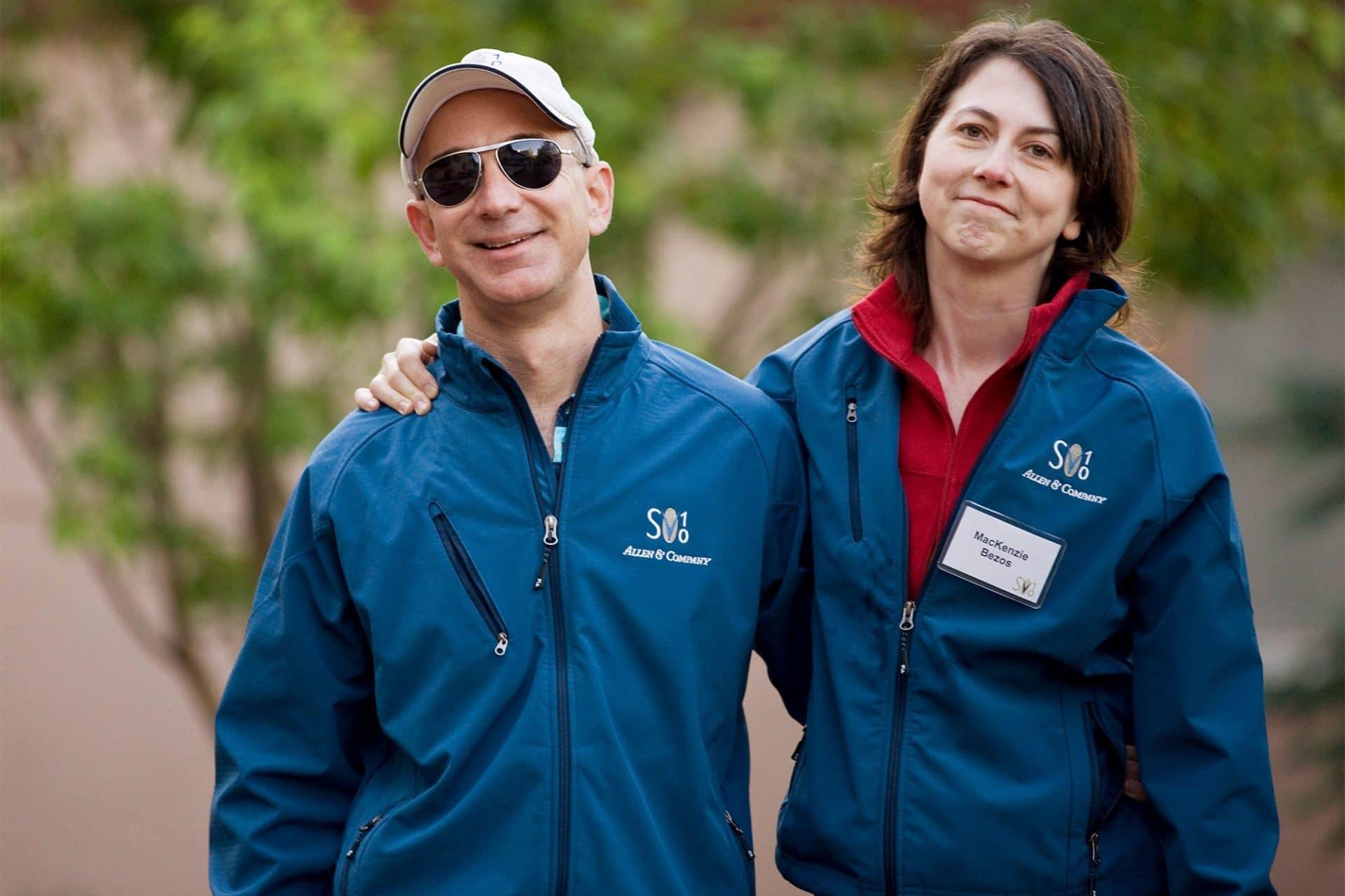 MacKenzie Bezos dona metà del suo patrimonio in beneficenza