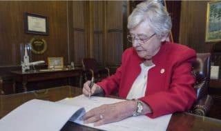 Kay Ivey Alabama aborto