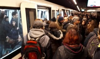 Metro Roma Spagna aperta