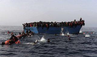 barcone alla deriva libia