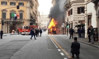 bus fiamme roma