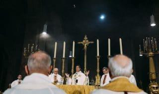 chiesa francia preti sacerdoti
