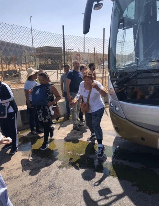 Egitto, esplosione contro un bus turistico: almeno 16 feriti