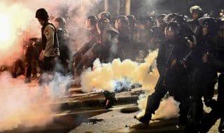 indonesia proteste scontri morti