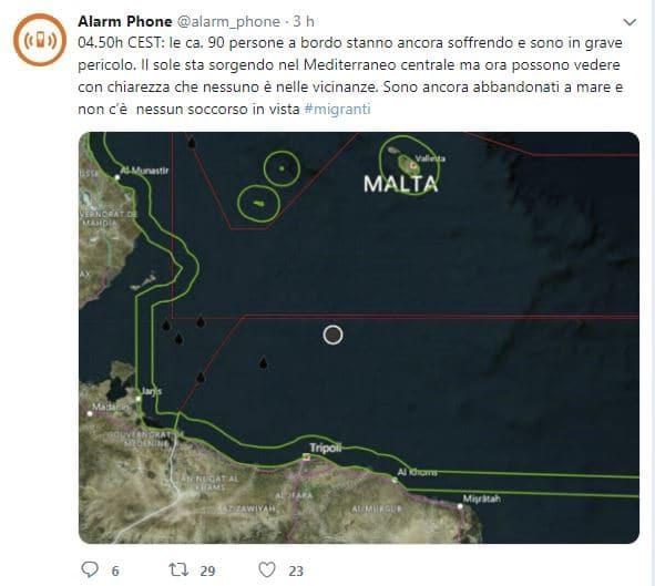 Nave italiana soccorre barcone in difficoltà