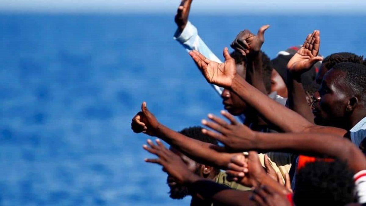 Nuovo sbarco di migranti, 57 arrivati a Lampedusa all'alba