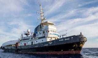 nave mare jonio sequestro