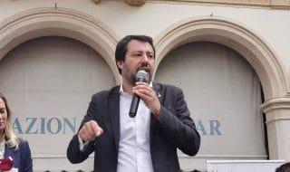 striscioni contro Salvini indagine