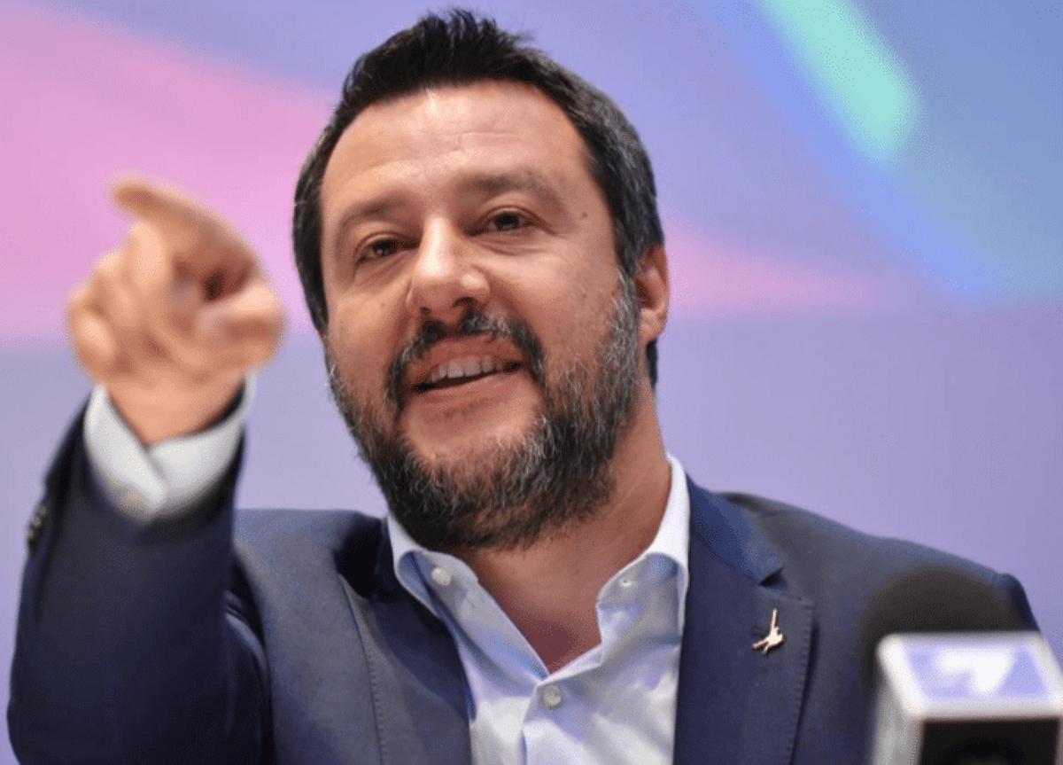 Casalino ha impedito ai giornalisti di fare domande a Giuseppe Conte