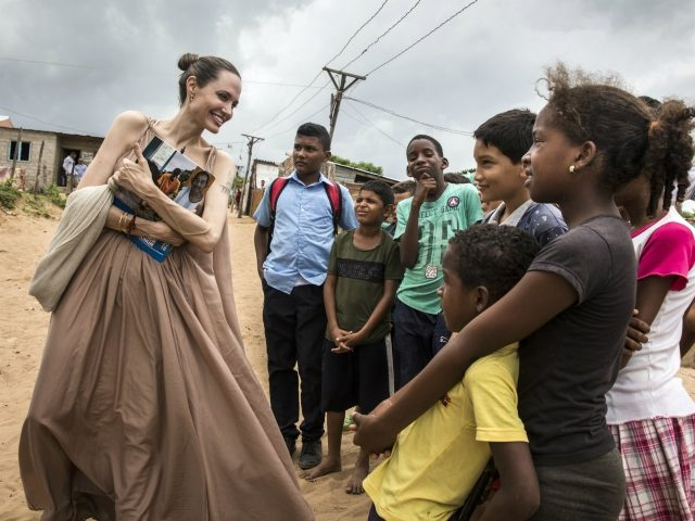 Angelina Jolie magrissima preoccupa i fan: