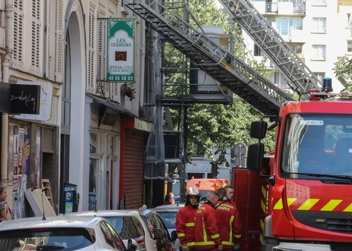 Tre morti in un incendio nel centro di Parigi