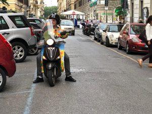 Massimo Giletti in scooter