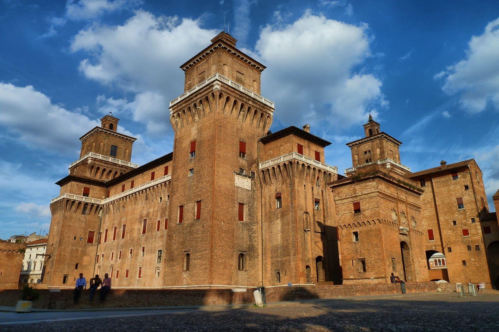 Ballottaggi, il centrodestra espugna le roccaforti rosse di Ferrara e Forlì