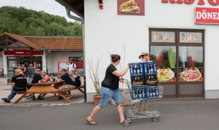 germania comprano birra per boicottare neonazi