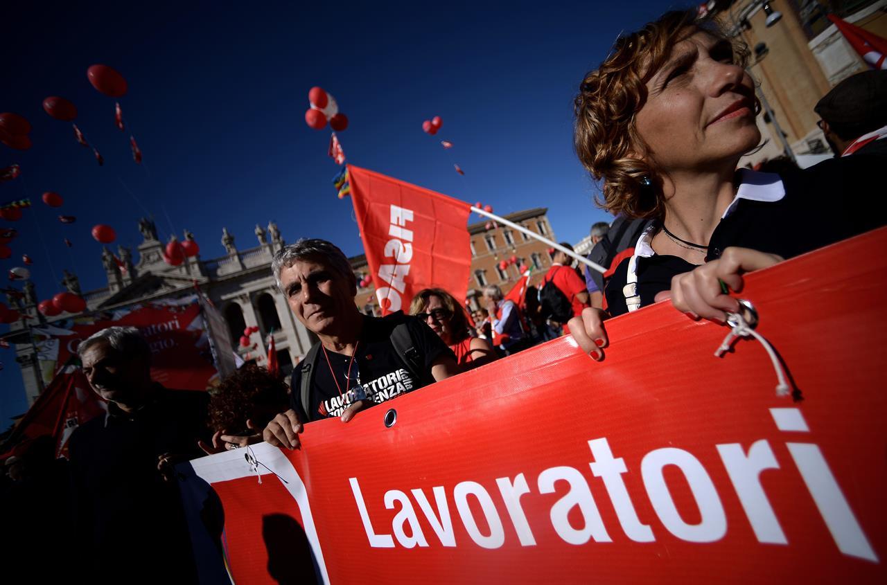 Lavoro, Istat: il tasso di occupazione rimane invariato al 58,8%
