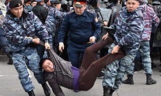 kazakistan-manifestanti-arrestati