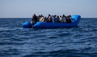 migranti barcone rovesciato libia