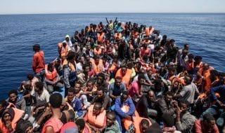 migranti lampedusa sea watch bloccata