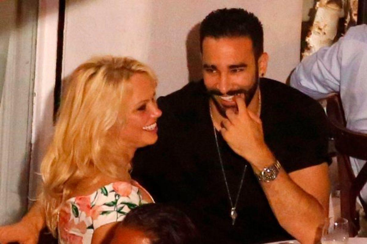 Pamela Anderson annuncia su Instagram la fine della storia con Adil Rami