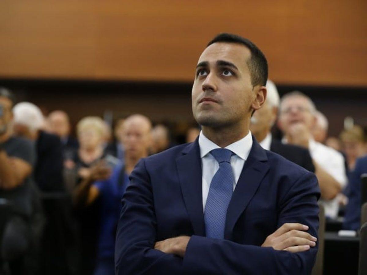 Whirlpool, tavolo al Mise: Di Maio offre la decontribuzione, ma la società vuole la riconversione del sito di Napoli