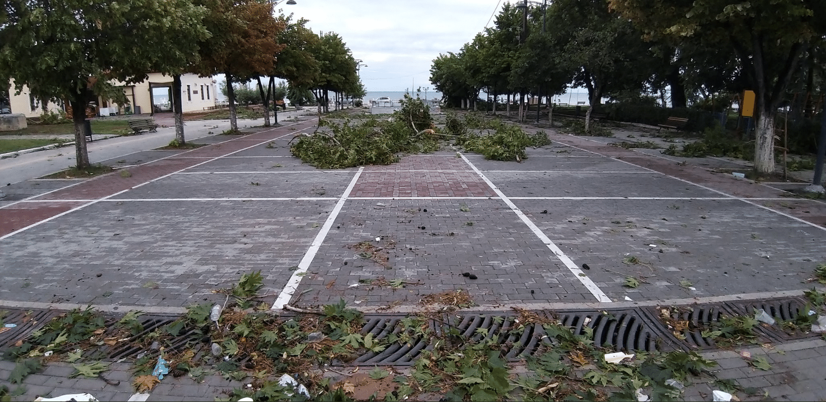 Maltempo in Grecia: le foto e i video del tornado | VIDEO