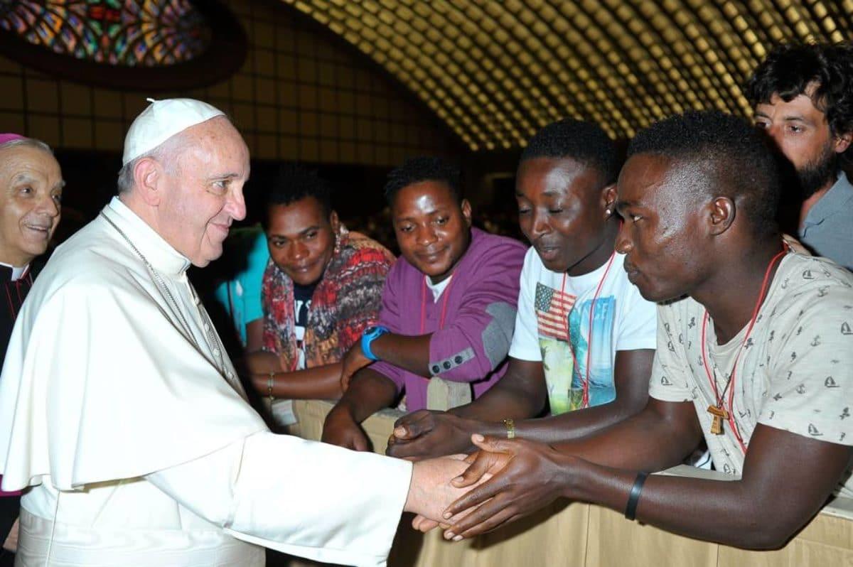 Messa per i migranti, il Papa: