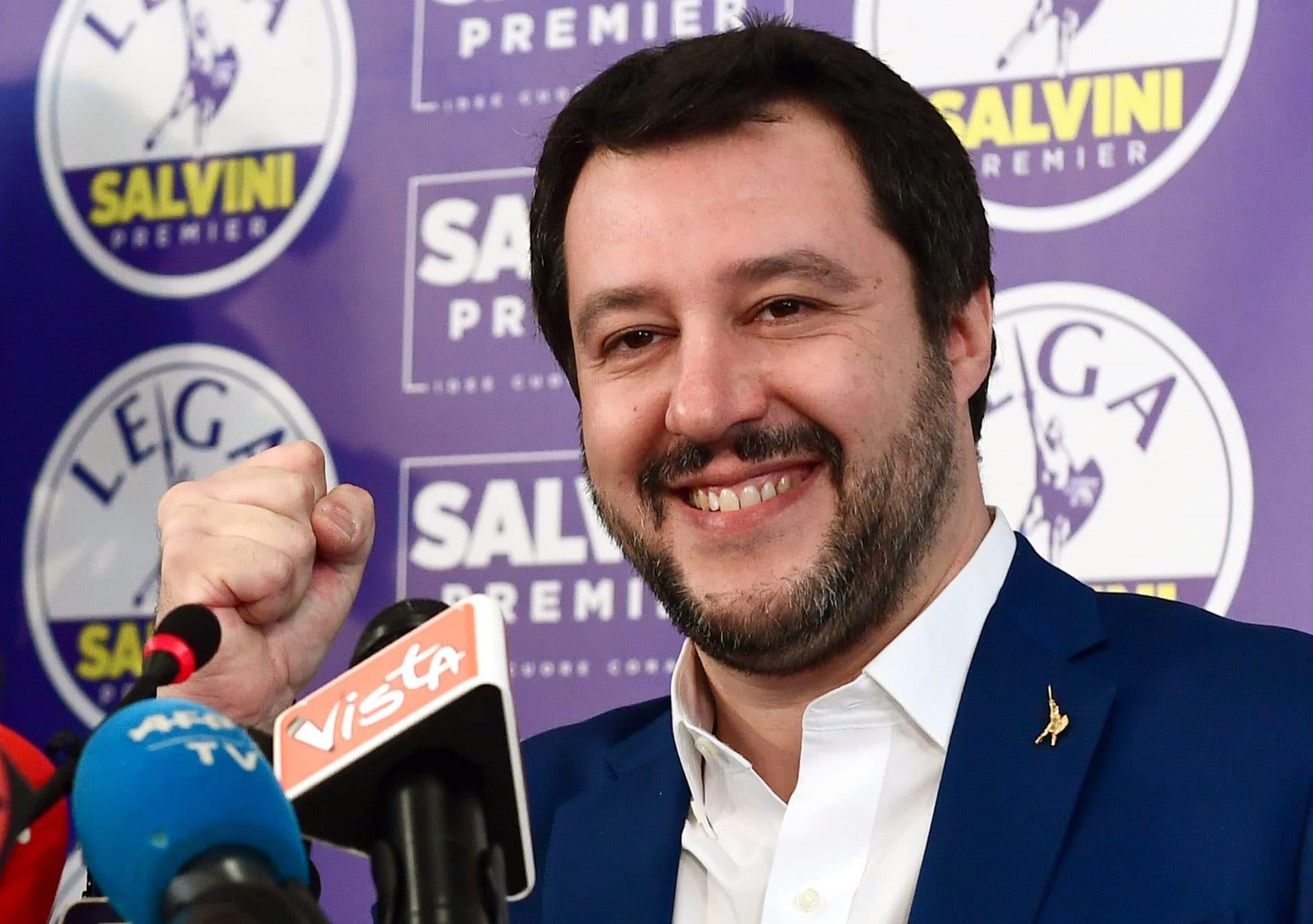 Salvini: adesso basta, l'Italia non sarà più il campo profughi d'Europa