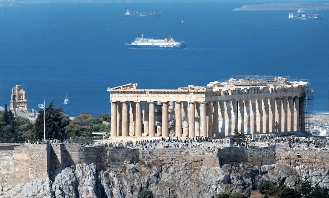 Scossa di magnitudo 5.1 ad Atene, blackout e panico in strada