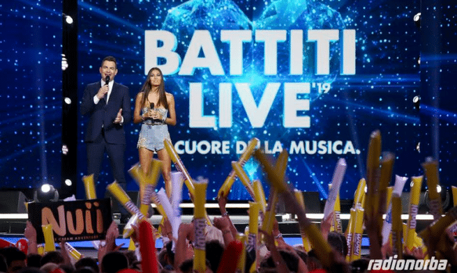 Battiti Live, Gabry Ponte tocca il sedere a Elisabetta Gregoraci: è polemica
