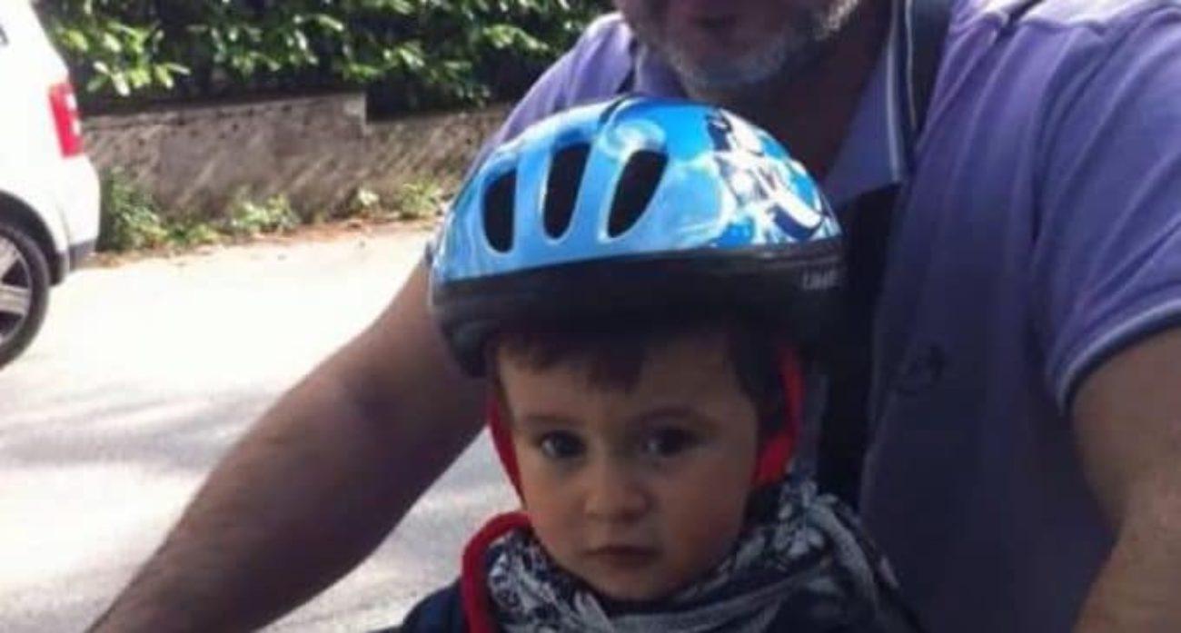 Bambino morto a 7 anni, l'omeopata: