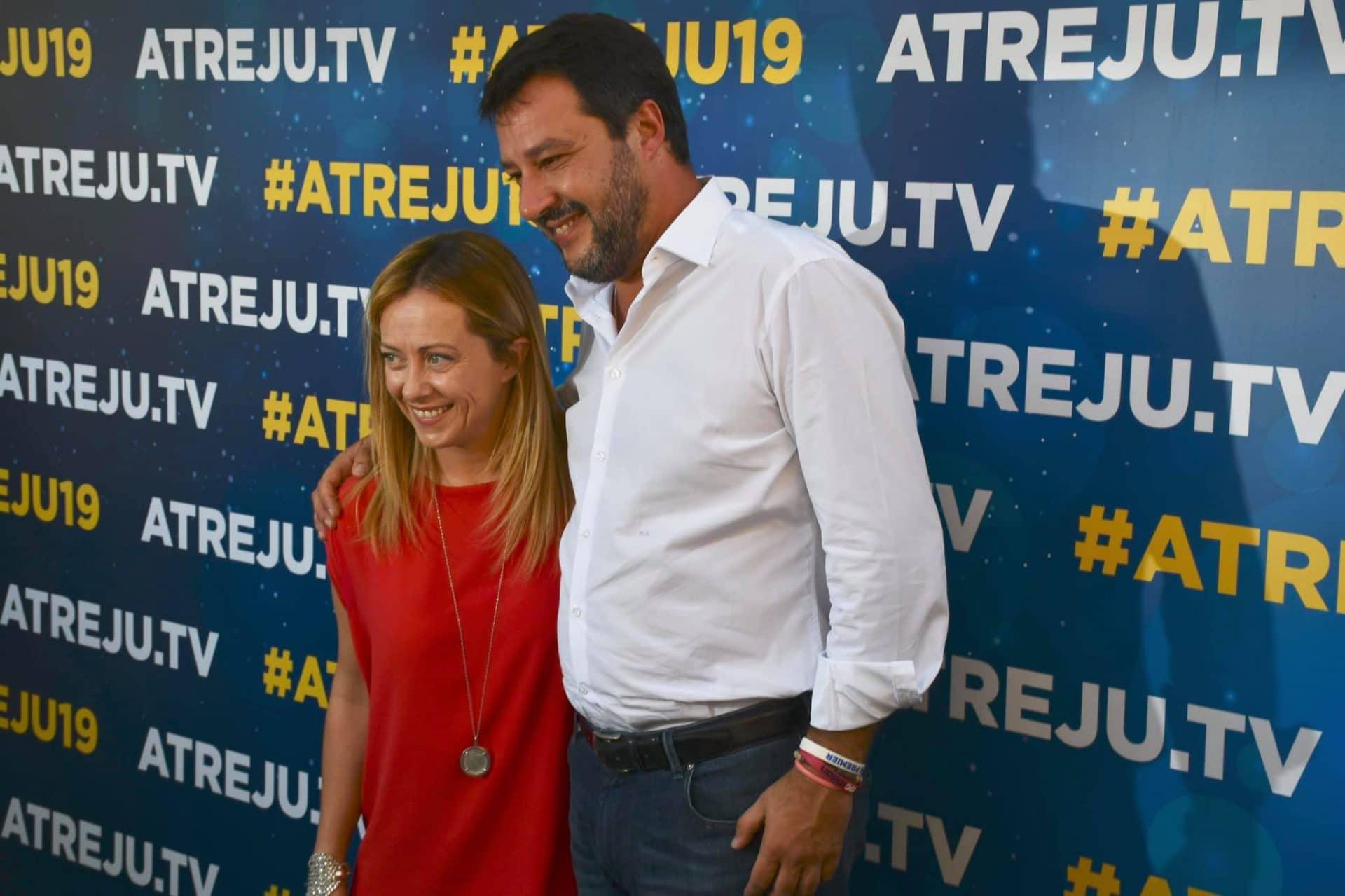 Lega, Salvini all'attacco di Italia Viva: