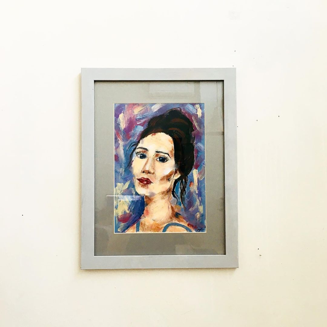pittrice dipinge seni