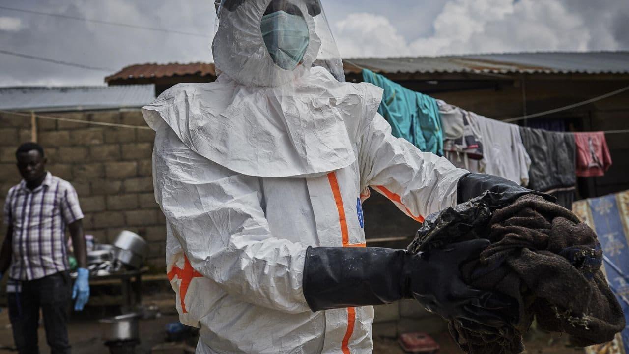 Virus Ebola: primo via libera in Europa a un vaccino protettivo