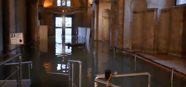 acqua alta venezia san marco