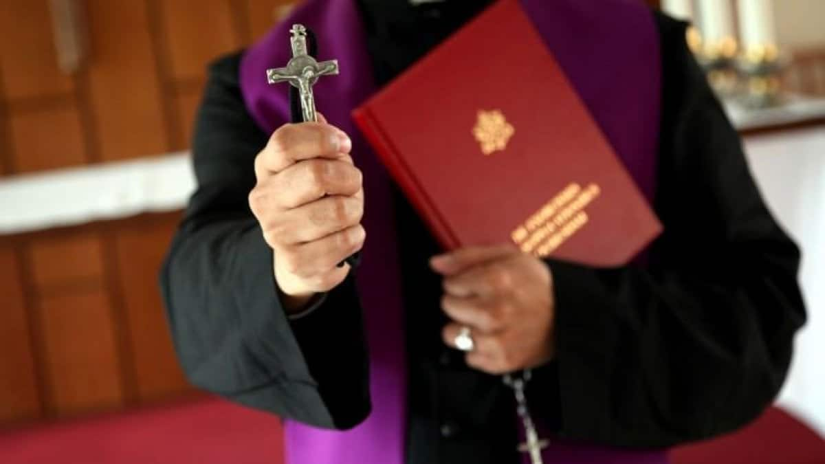 Ex parroco ucciso con un crocifisso: era accusato di pedofilia