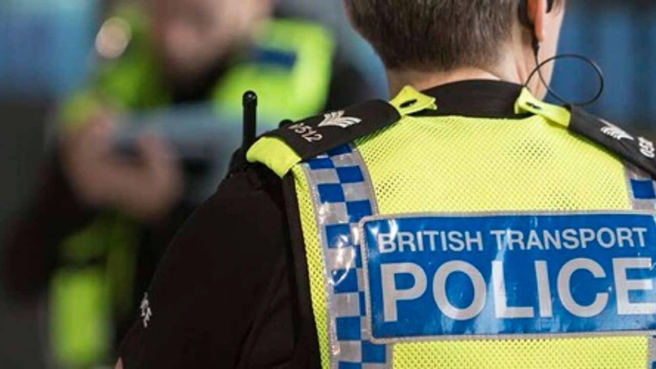 Londra, polizia spara e uccide un uomo armato di coltello
