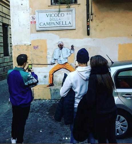 papa francesco murales kill bill