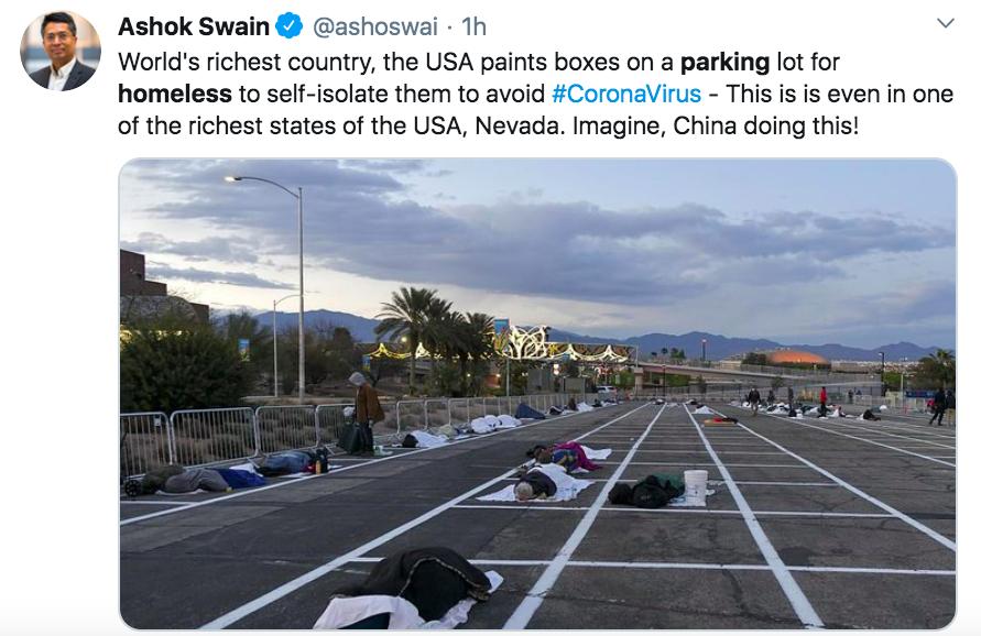 Usa, senzatetto sistemati in un parcheggio in spazi contrass