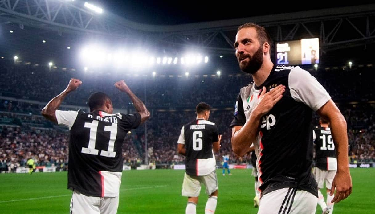 Higuain, via dalla quarantena: in Sudamerica con volo privato