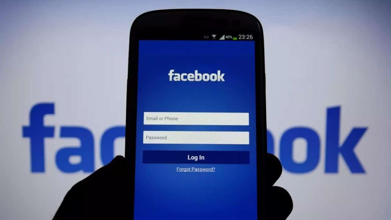Facebook, trafugati i dati di 35 milioni di italiani: ecco come scoprire se il tuo profilo è stato hackerato