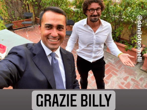"""Referendum, la rivincita di Di Maio e Toninelli e il selfie ironico per Costacurta: """"Grazie Billy"""""""