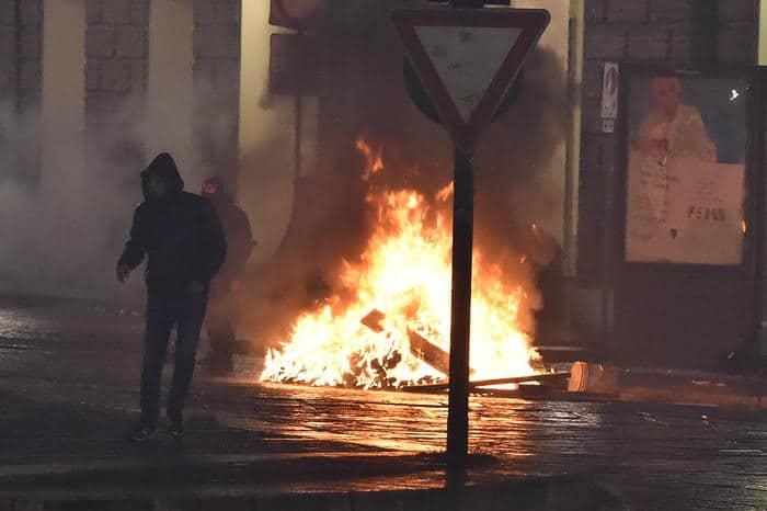 proteste città covid