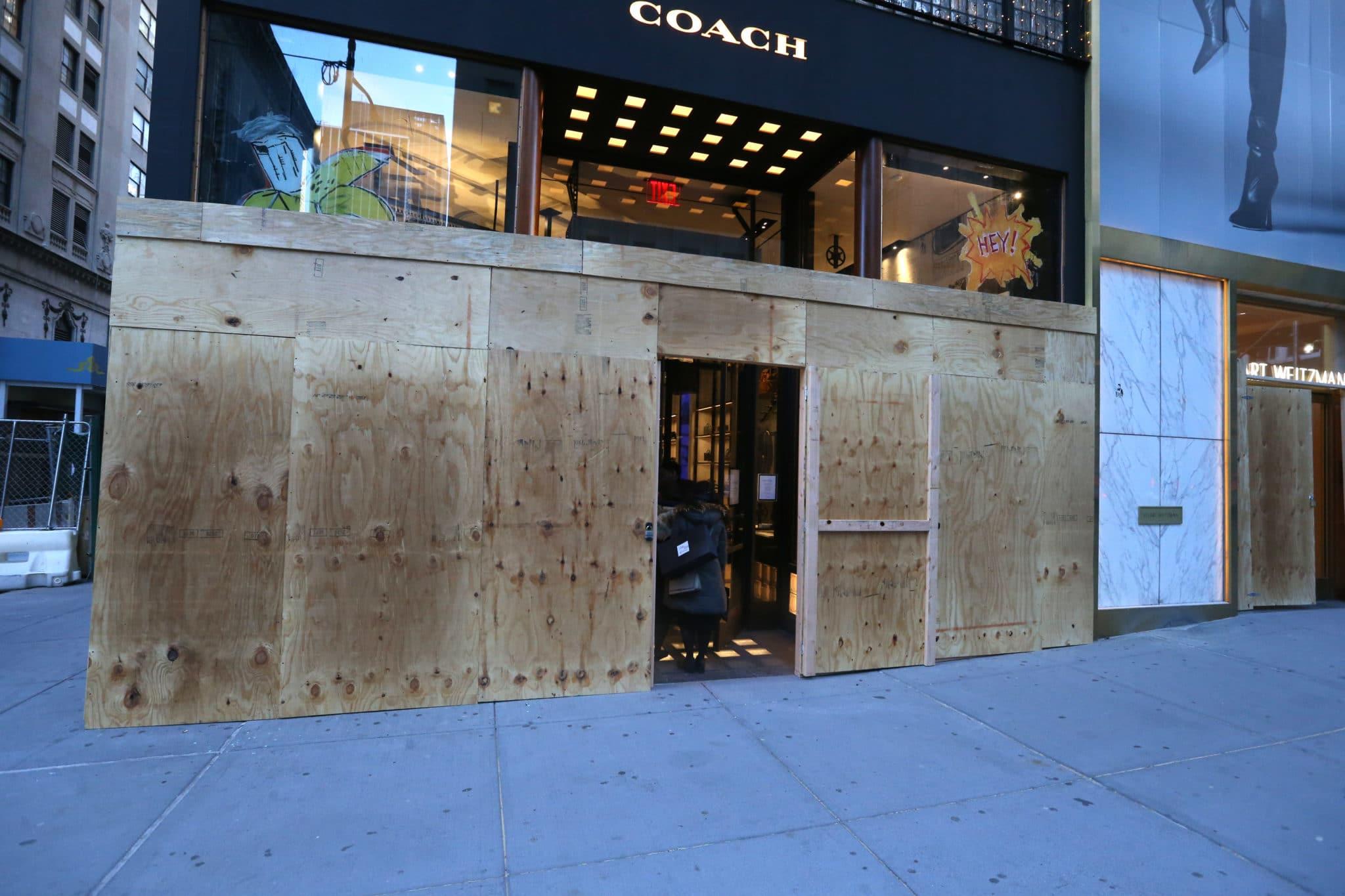 elezioni usa negozi barricati