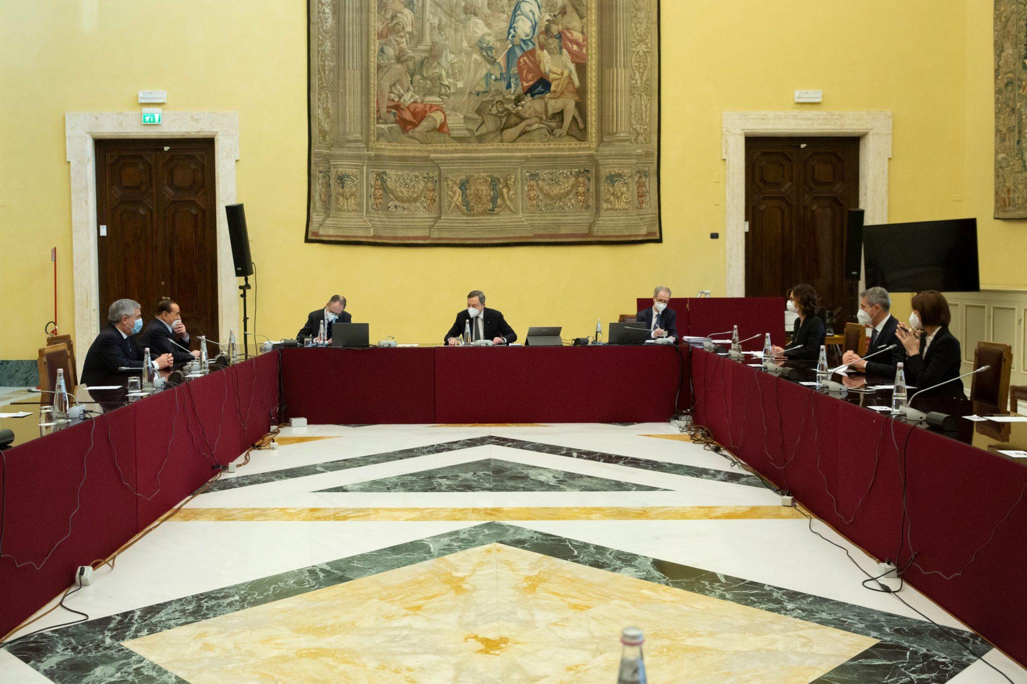 consultazioni draghi forza italia diretta