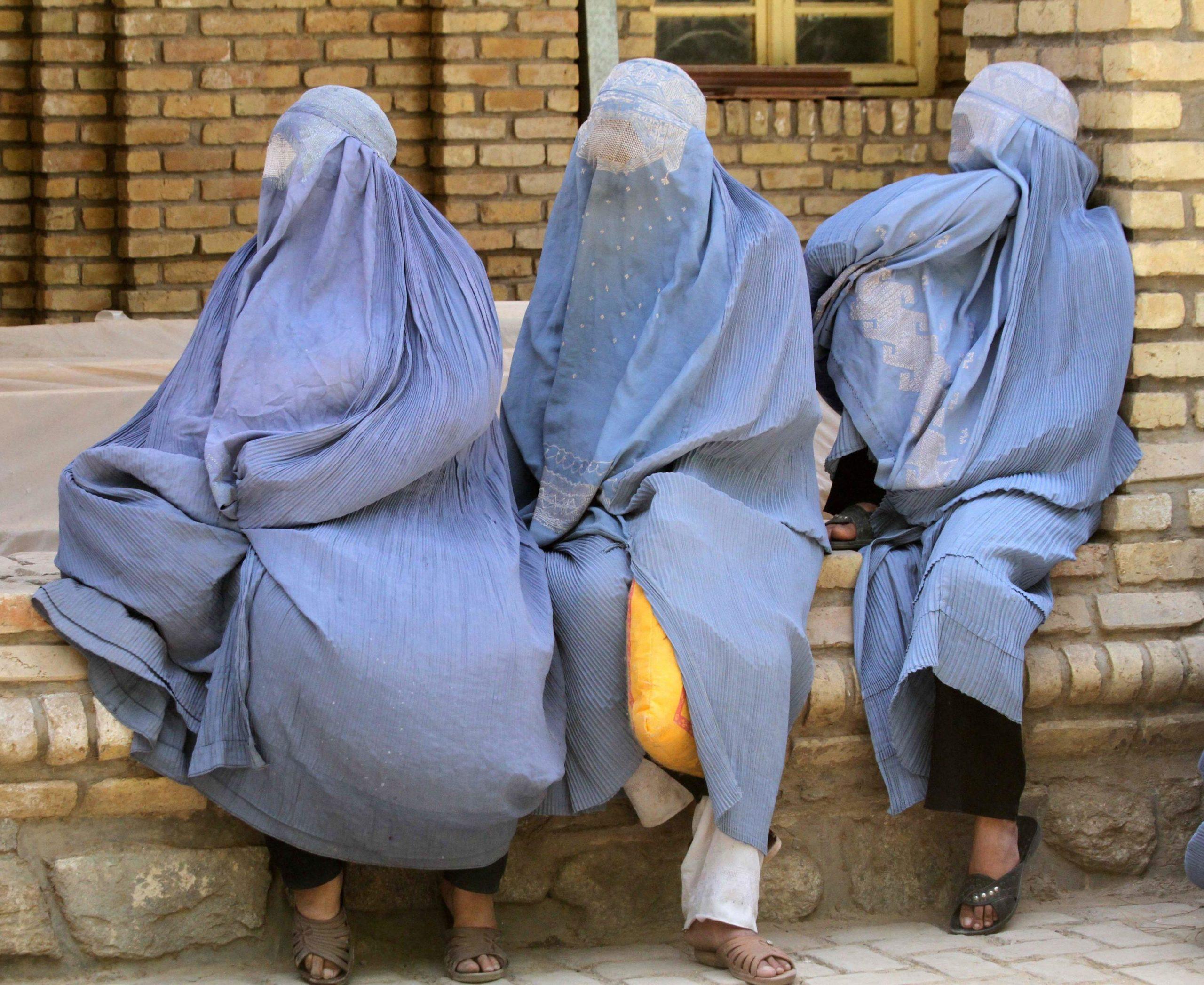burka donne afghanistan