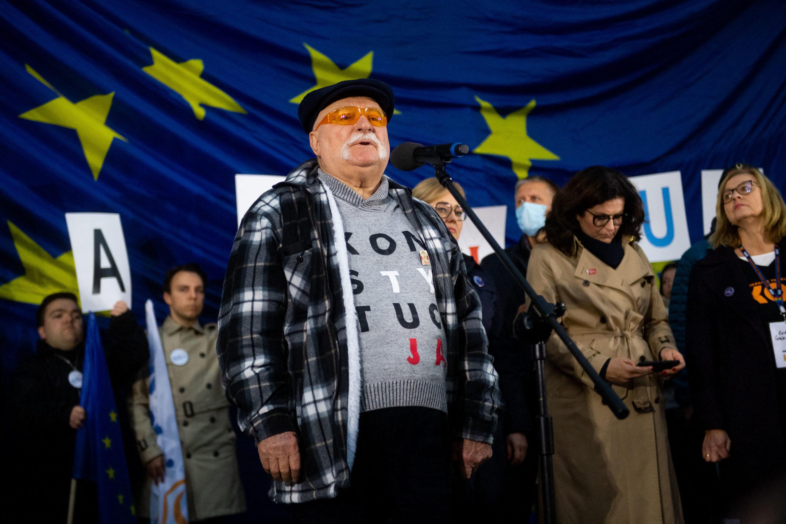 Polonia, in piazza per dire No all'uscita dall'Ue: il fotoreportage su The Post Internazionale