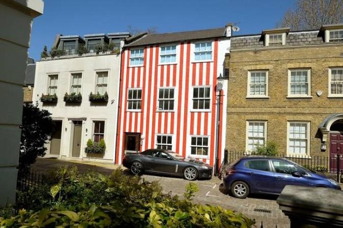 Dipingere la casa a strisce per fare un dispetto ai vicini - Dipingere a casa ...